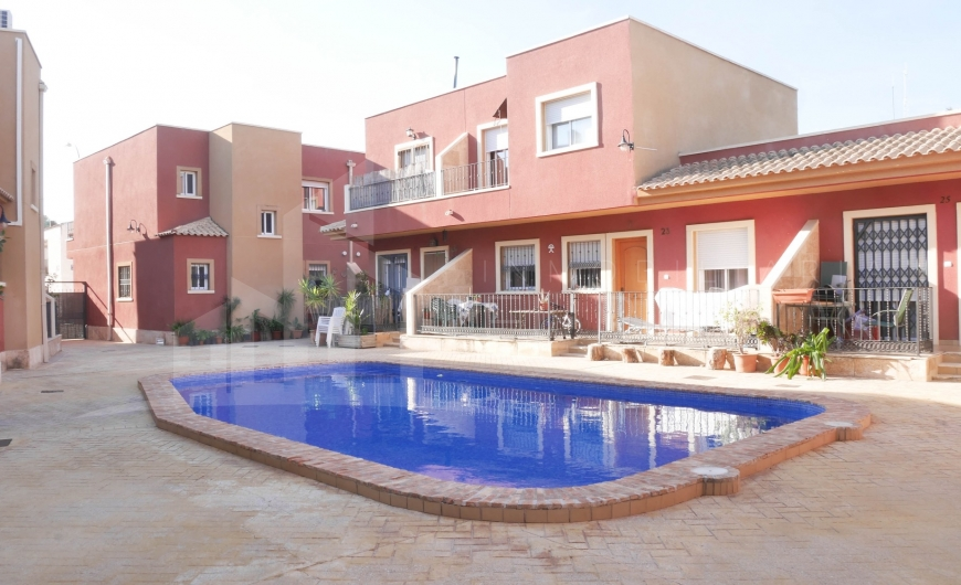 Resale - Terraced house - San Isidro